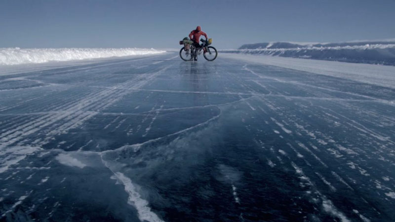 arctique_canadien_frozen_road_velo