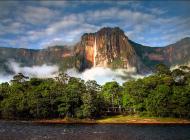 venezuela_nature_travel_trolley