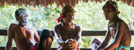 indonesie_hommes-fleurs_mentawai