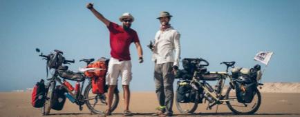 Voyageurs vélo désert