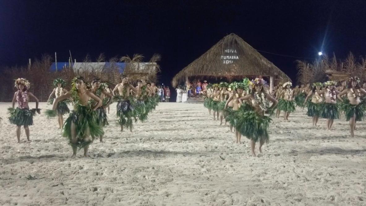 Démonstration de danse tahitienne ©BenoitCappronnier