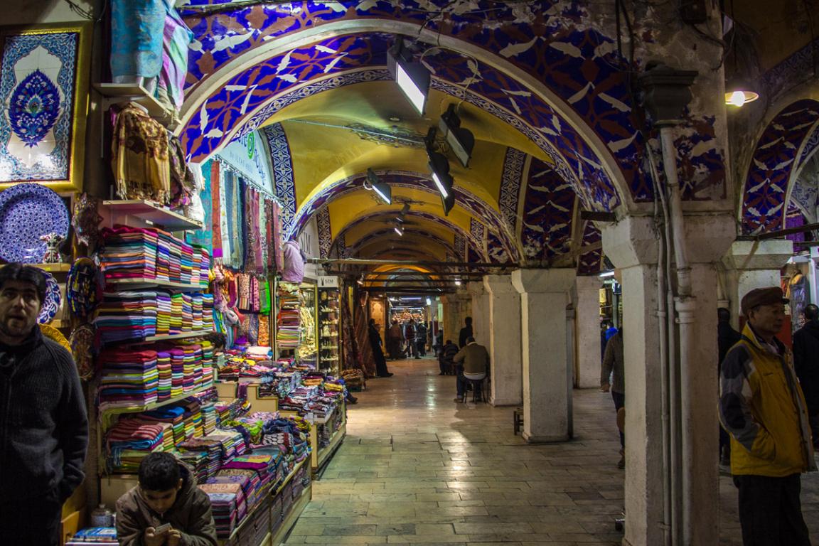 Les allées du Grand Bazar d'Istanbul ©B.Cappronnier